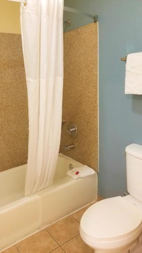 Days Inn by Wyndham San Diego Chula Vista South Bay - Chula Vista, CA CA 91910