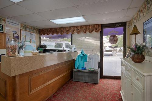 Barefoot Mailman - Ocean City, MD 21842
