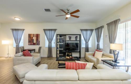 Golfers Dream Vacation Home Rental 77ll16 - Loughman, FL 34747