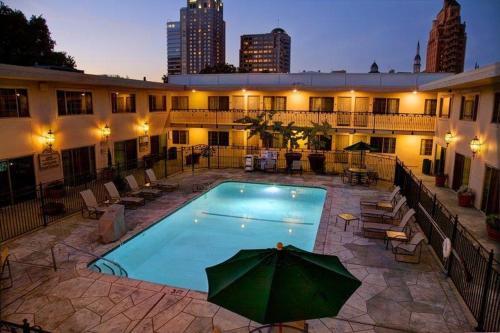 Best Western Plus Sutter House - Hotel - Sacramento