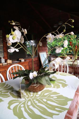 Hale Maluhia Country Inn - Kailua Kona, HI 96740
