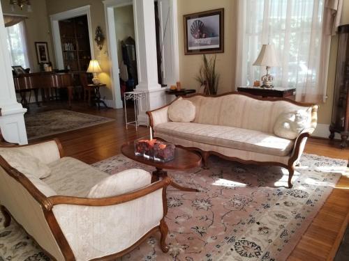 The Peach House - Atlanta, GA 30307