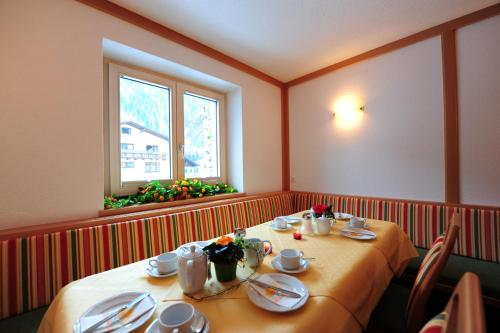 Haus Enzian - Accommodation - St. Anton am Arlberg