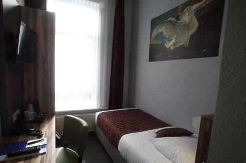 Hotel Asterisk Annex 2 Stars photo 25