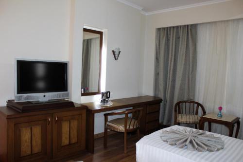 Cleopatra Hotel - image 5
