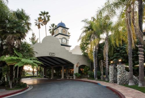 Accommodation in Covina