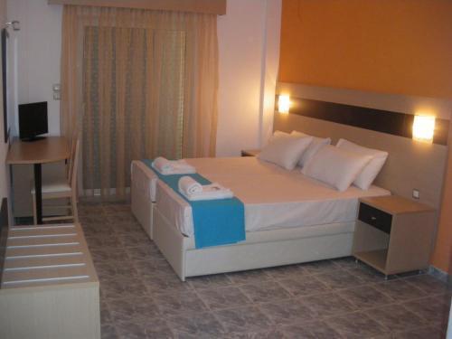 Фото отеля Akti Liakada Hotel