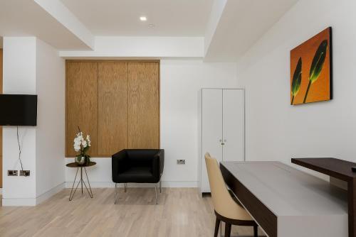 Luxury Italian Designer Home - 3 Bed & 3 Bath a London