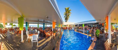 Фото отеля The Islander Hotel