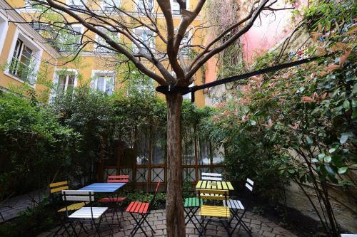 Les Patios Du Marais 1 In Paris From 104 Trabber Hotels