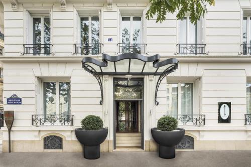 51 Boulevard Saint-Marcel, 75013 Paris, France.