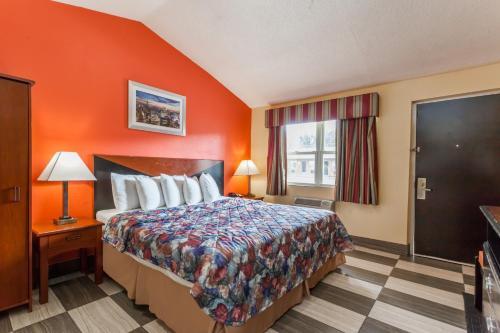 Travelodge By Wyndham Jersey City - North Bergen, NJ 07307