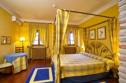 Double or Twin Room - single occupancy Hotel Real Monasterio de San Zoilo 8