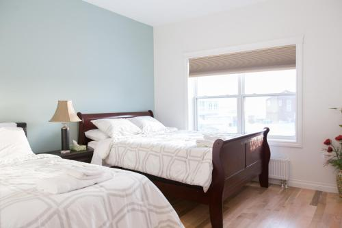 Aurora Deluxe Guest House - Yellowknife, NT X1A 3Z1