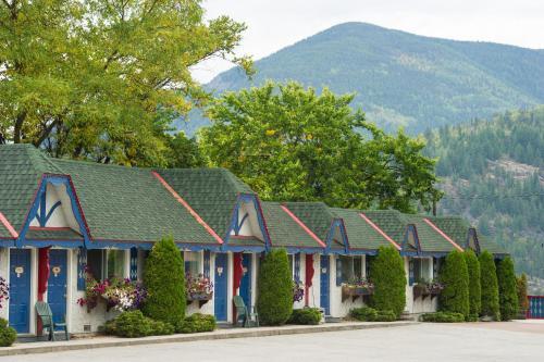 . Alpine Inn & Suites
