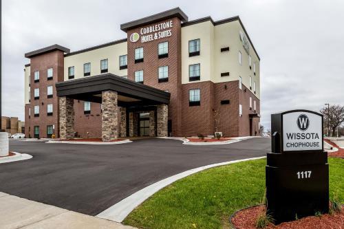Cobblestone Hotel And Suites   Stevens Point