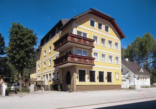 . Hotel Lindner