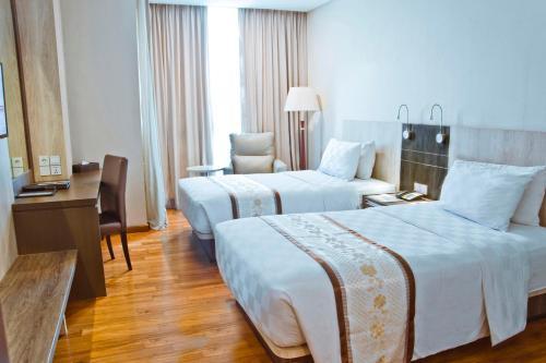 Nagoya Hill Hotel Batam photo 37