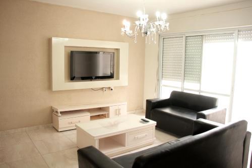 . Beautiful 3 Bedroom Apartment