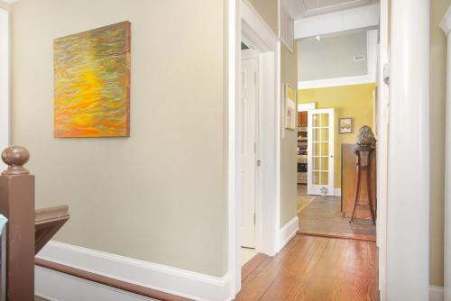 Artist's Retreat - Two-Bedroom - Savannah, GA 31401