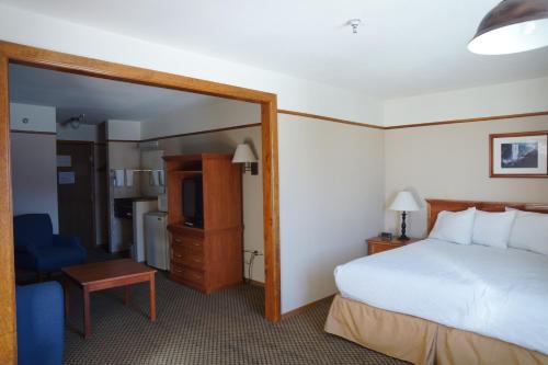 Luxury Inn & Suites - Silverthorne, CO CO 80498