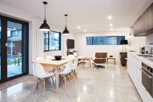 . Dungarvon Street Apartments
