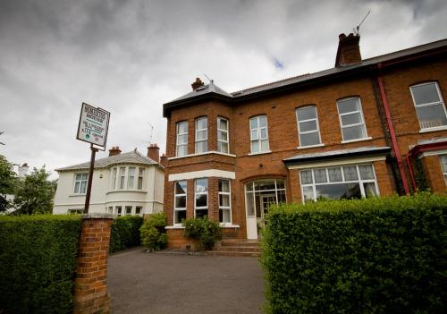 Somerton House (Bed and Breakfast)