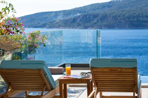 Kalkan Four Bedroom Sea View Villa odalar