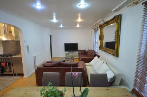 4Bed West Kensington-Olympia Apartment