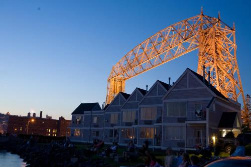 South Pier Inn - Duluth, MN 55802