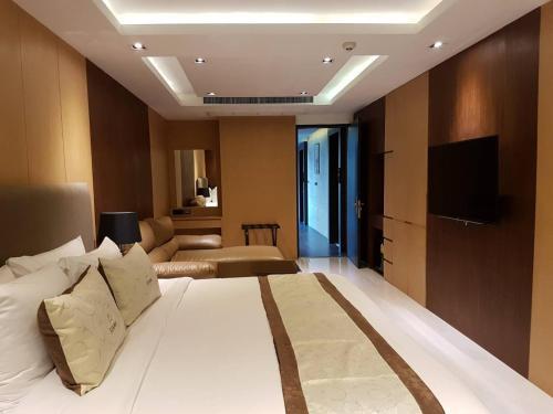 Syama Suites photo 12