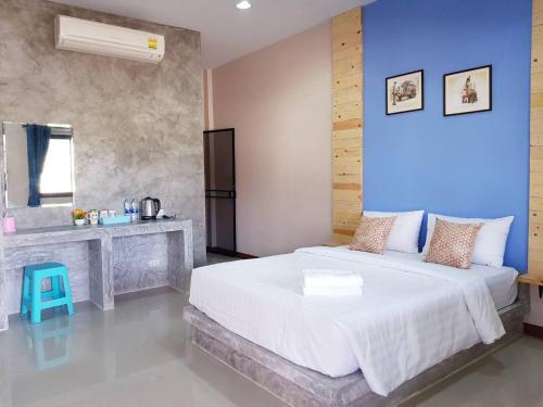 Фото отеля Tawan Village
