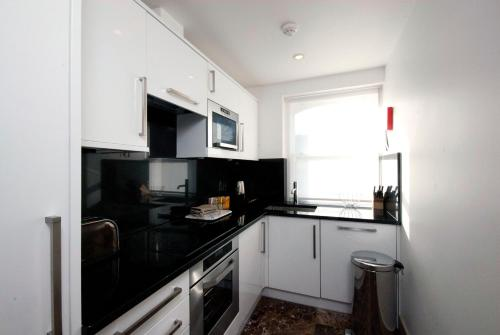 Claverley Court Apartment Knightsbridge photo 15