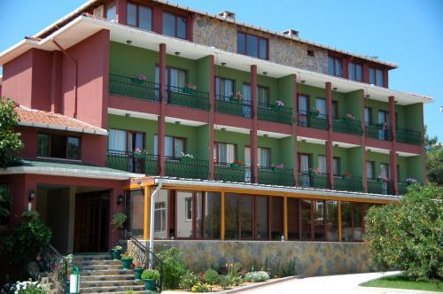 Riva Rhebas Hotel adres