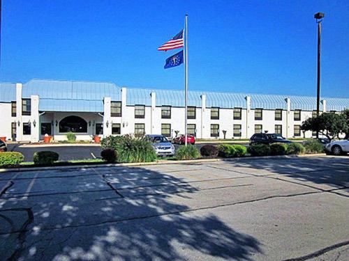 Motel 6 Richmond In - Richmond, IN 47374