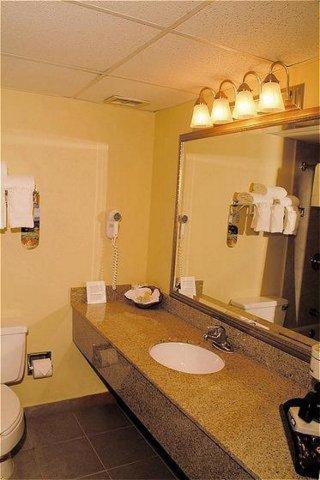 Holiday Inn Ponce & El Tropical Casino room photos