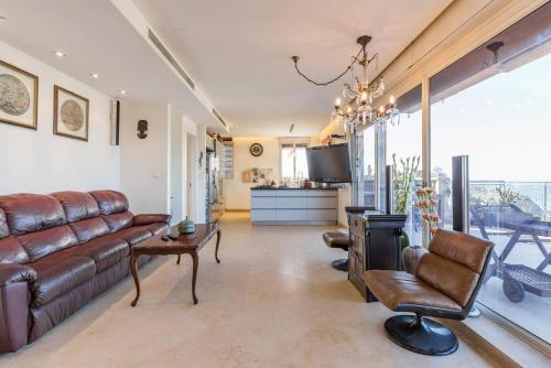 . Family Penthouse, sea front , 3 bedrooms