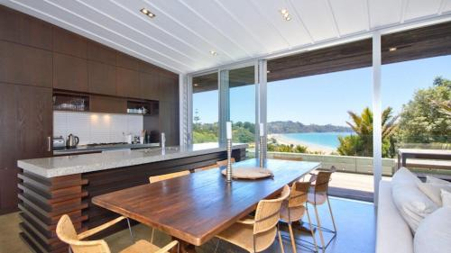 The View, Onetangi, New Zealand