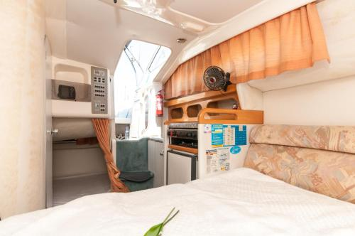 Boat hotel and tours photo 10