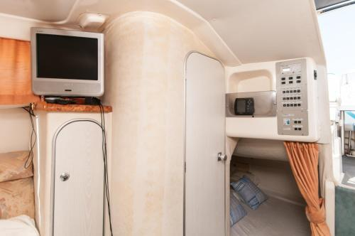 Boat hotel and tours photo 15