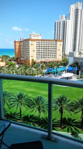 19370 Collins Ave #925 - Two Bedroom Condominium - Sunny Isles Beach, FL 33160