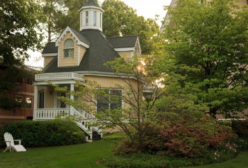 Inn At Woodhaven - Louisville, KY 40207