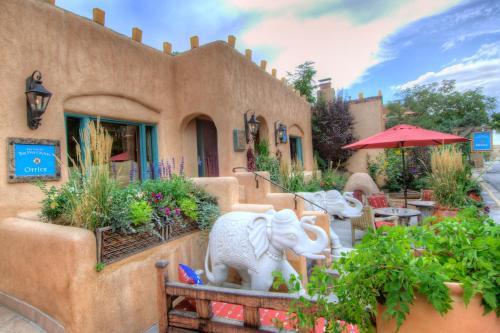 150 East DeVargas Street, Santa Fe, New Mexico, United States.