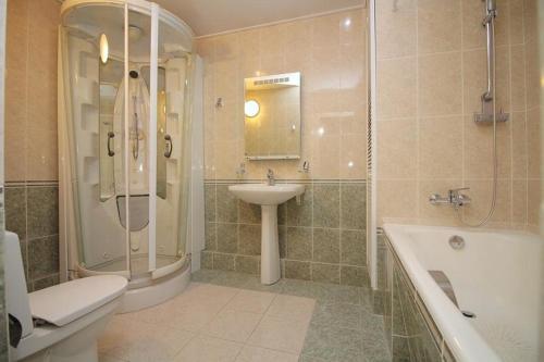Lakshmi Apartment 4k Kurskaya - image 4