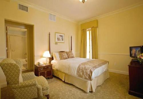 Queen Room The Hotel Alcott