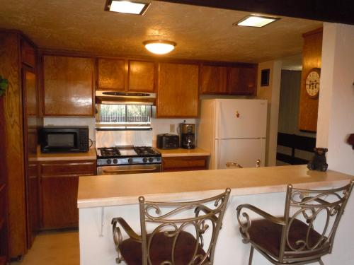 Three-Bedroom Deluxe Townhouse Unit #33 by Snow Summit Townhouses - Hotel - Big Bear Lake