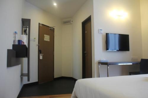 Fuller Hotel - Photo 6 of 28
