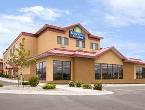 Days Inn & Suites By Wyndham Bozeman - Bozeman, MT 59715