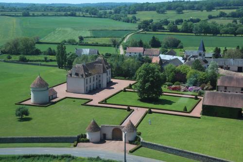 . Les Residences du Chateau de Vianges