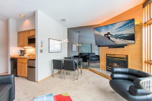 River Bank Lodge 2920 - Keystone, CO 80435